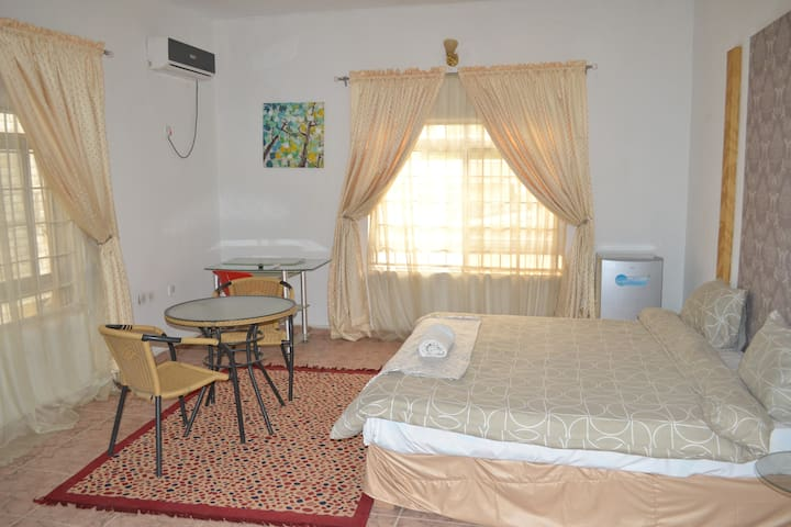 Black - Charming boutique hotel - Abuja - Boutique-Hotel