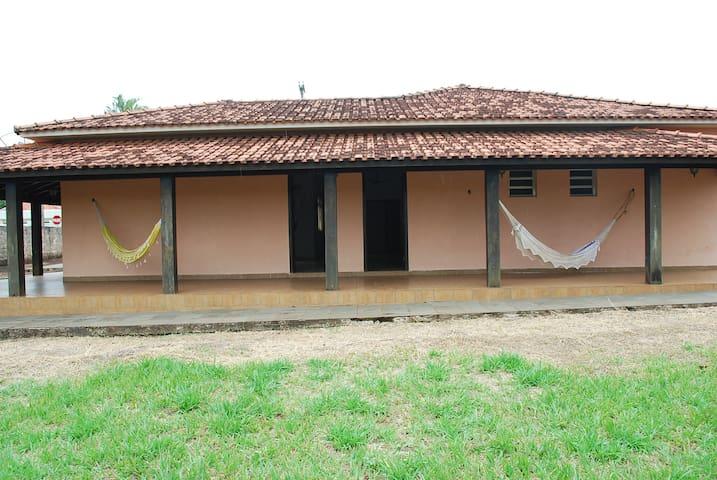 Casa em Brotas-SP, para ir de Galera ou TD Família