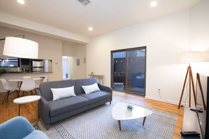 Stylish, Modern 1BR with Patio, 15 min to NYC