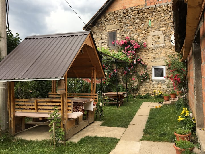 Ulaj Guest House Vusanje, Beautiful Place and Food