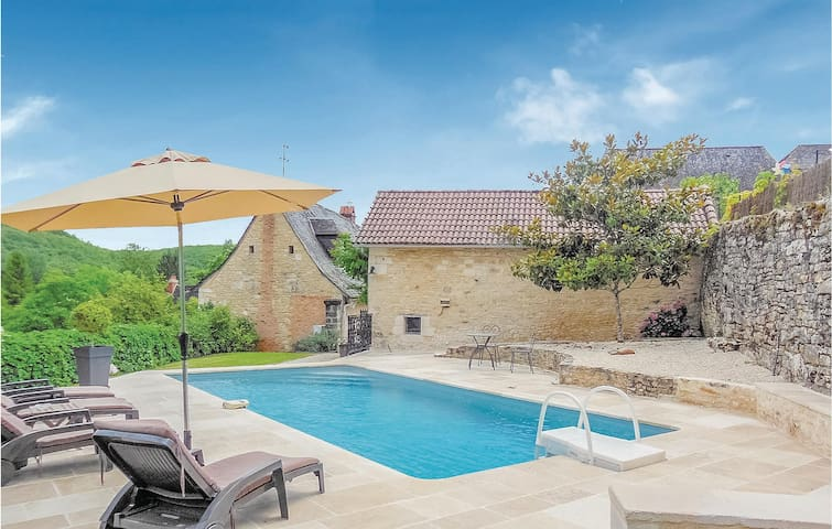 Holiday cottage with 2 bedrooms on 92m² in Coly