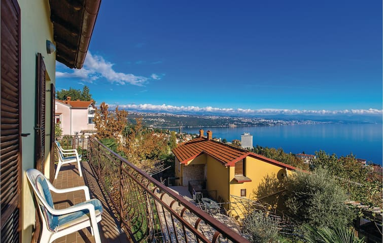 Holiday apartment with 3 bedrooms on 70m² in Opatija