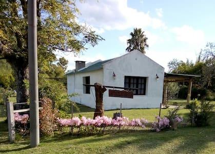 Rancho restaurado en Villa Soriano