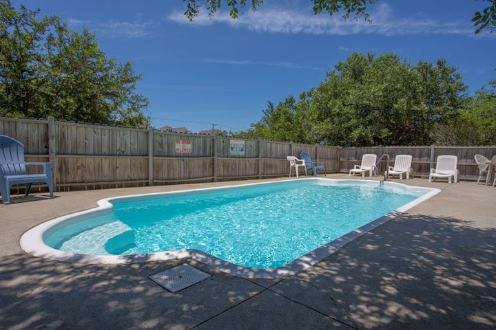 1680* Hopes and Dreams* 8 min. walk to beach access*Pet Friendly* Private Pool* Screened In Porch
