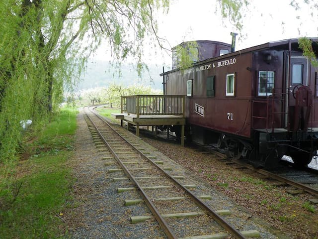 Puddicombe Estate  Country Caboose Farm Stay