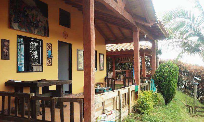 Habitación  compartida (3 personas) Casa de campo