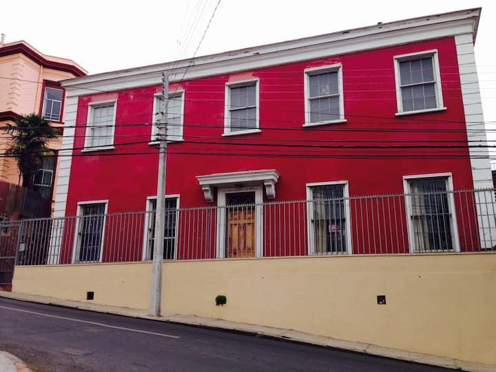 Acogedor Loft en casa Patrimonial en Cerro Alegre.