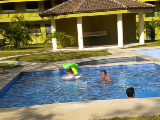 Estudio con 2 picinas y rapido internet/ la playa - Villareal - Apartment