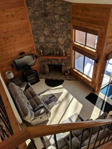 3 Bedroom 3 Bathroom Townhouse in Seven Springs