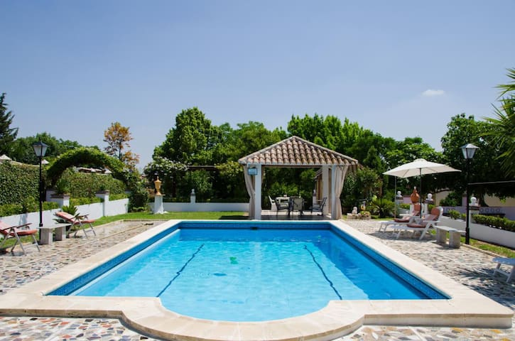 Chalet villa vacacional LOS NARANJOS - Montemayor - Villa