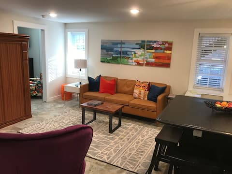 NEW: The Mayberry Suite..Main st  luxury  w/Patio.