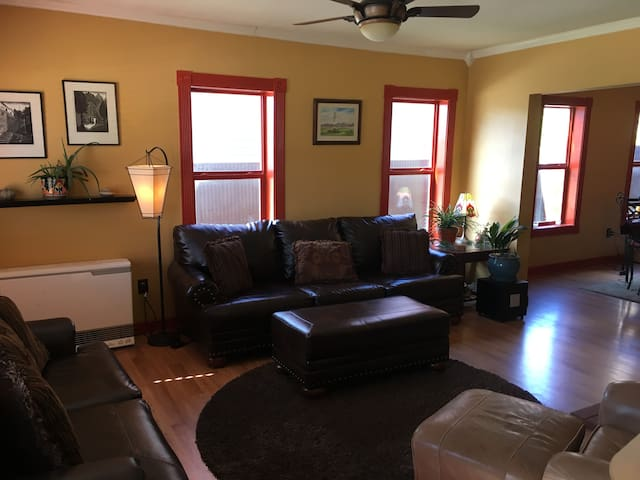 The San Juan House - Updated & Comfortable Home