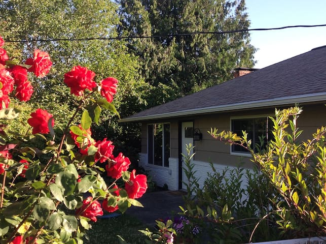 NW Portland, W Haven home, Discounted long stays