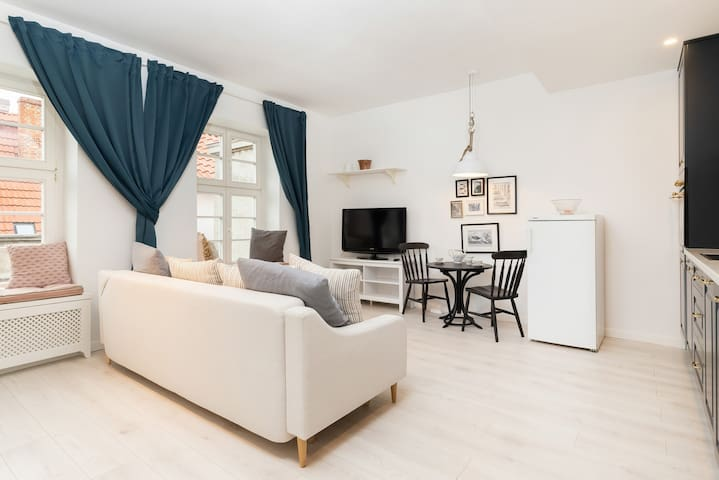 Cozy Apartment in Old Town | Grobla I