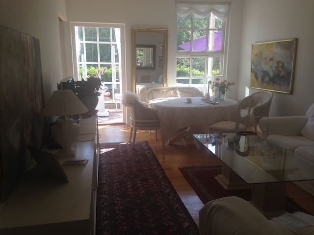 Cosy, quiet room not far from Aarhus Center. - Risskov - Leilighet