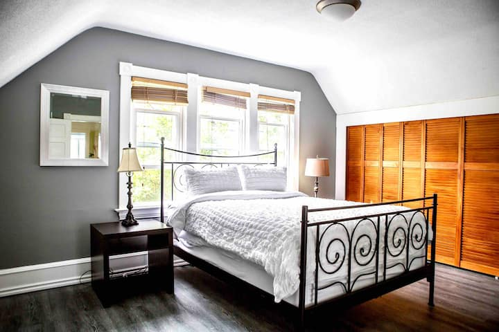CHARMING SUITE / CHARACTER HOME / NEAR DOWNTOWN