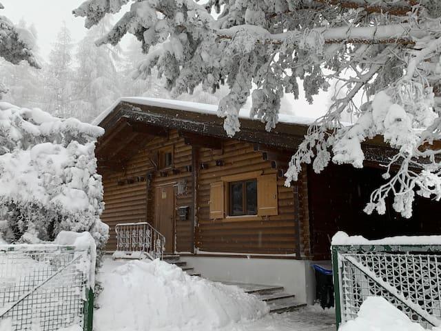 Chalet Raas Bergblockhaus in idyllischer Ruhelage