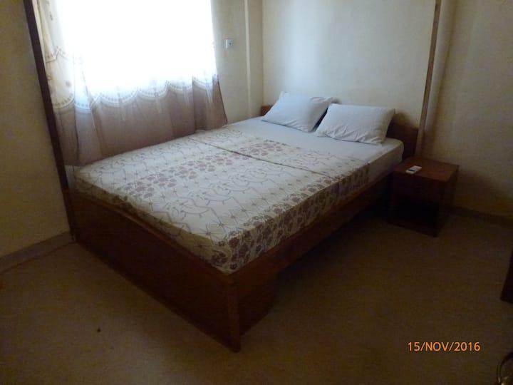 Résidence du centre. 2 chambres/ salon climatisées