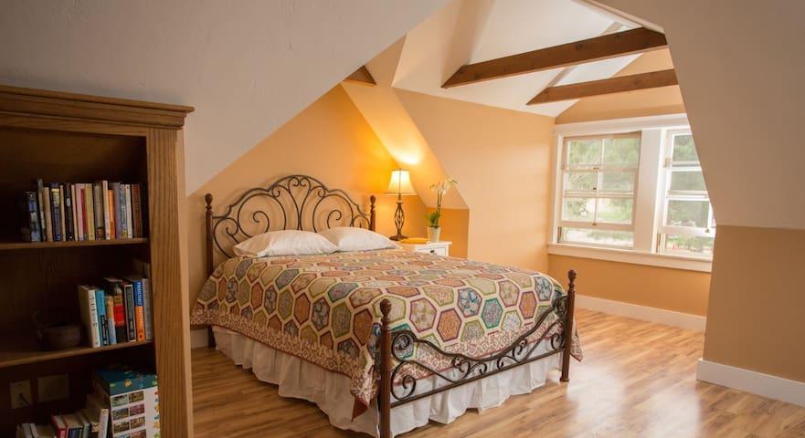 Upstairs Queen bed in the loft