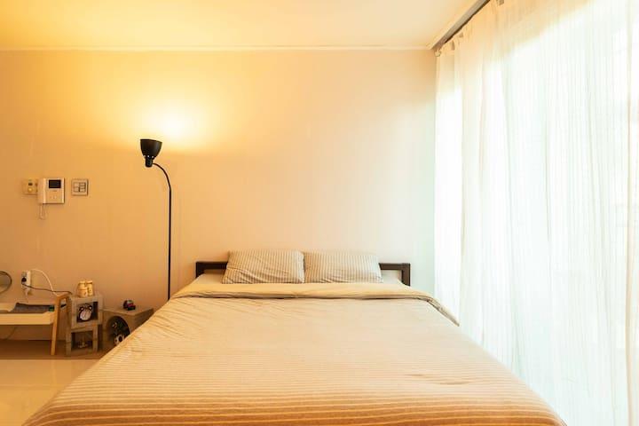 Maverick's House_5mits_from_Itaewon_stn