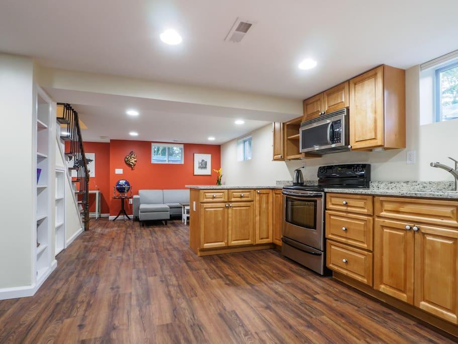 spacious basement apt in wooded retreat near metro en alquiler en
