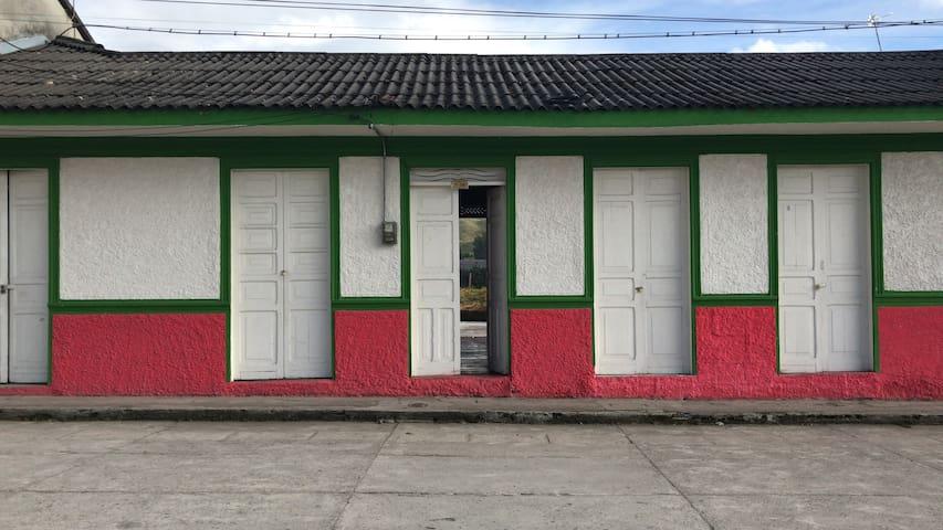 Hostel Travel Tolima.