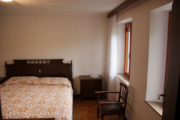 Dolomiti bedroom 1/2 people - Torbe - Apartament