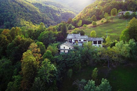 Stone Oven House, art residency in mountains