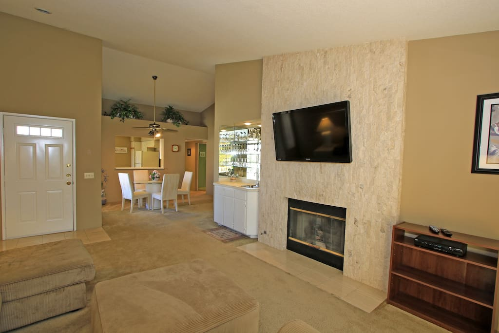 Flat screen TV and gas fireplace