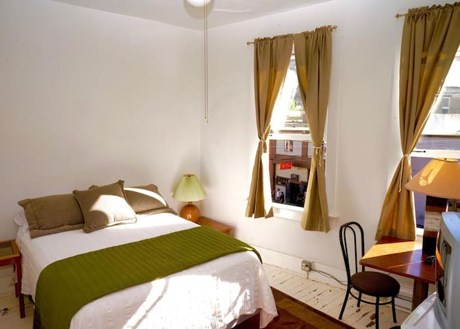 Silver King Hotel-Room 2