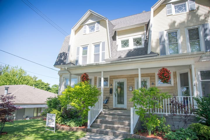 Historic Manistee Townhome near Downtown