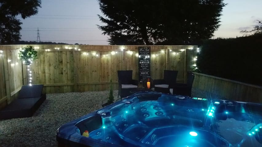 B&B with Private Hot Tub Garden - Stockton-on-Tees