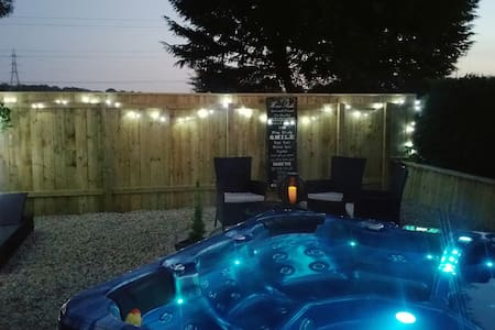 B&B with Private Hot Tub Garden - Stockton-on-Tees - Bed & Breakfast