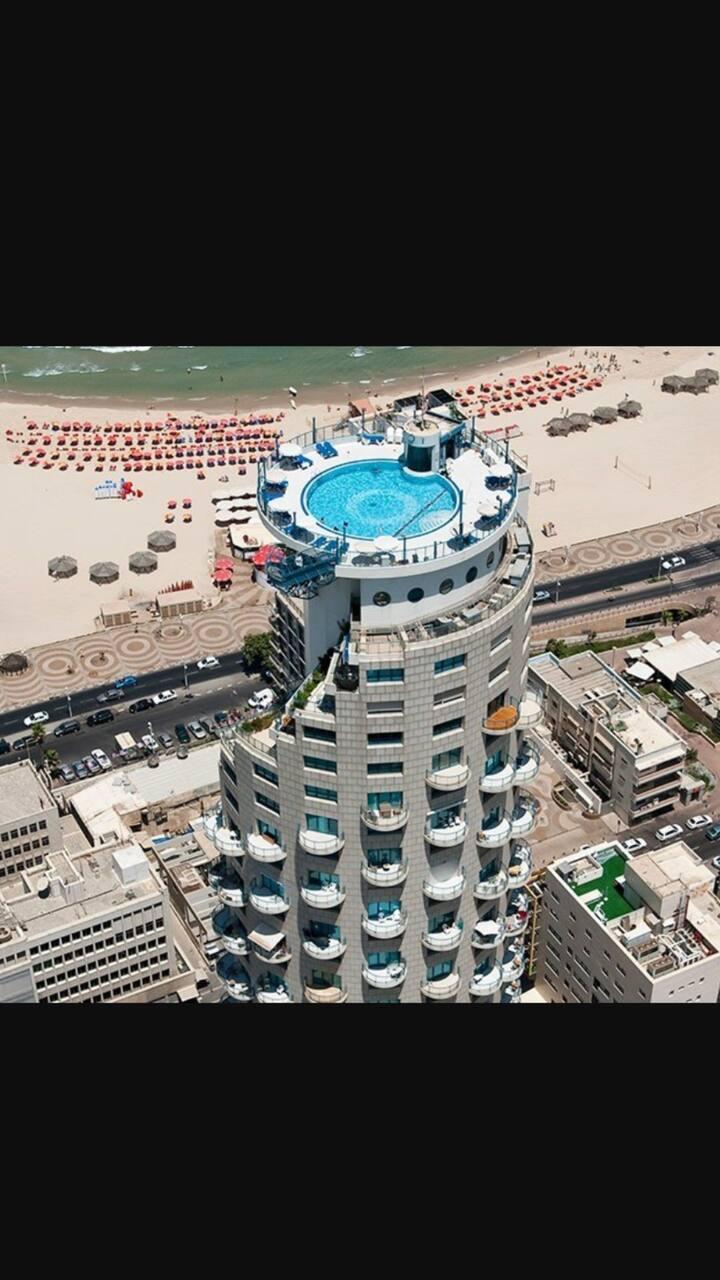 Isrotel penthouse / 400 meters