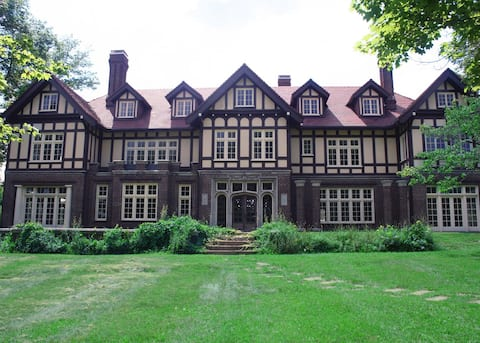 The Gross Mansion