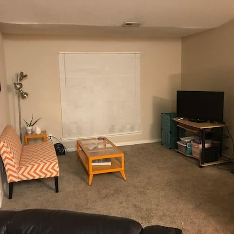 Convenient, comfortable Durham apartment