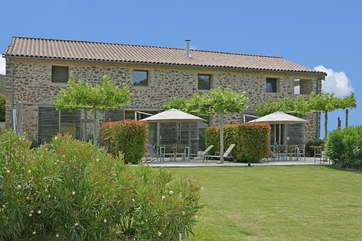 Luxurious Villa With Swimming Pool in Rieux-Minervois France