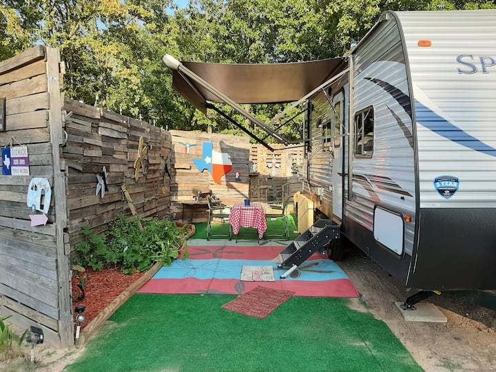 Cozy Camping RV for 2 at BedRock Retreat