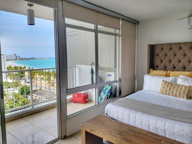 Breathtaking Ocean view studio @ Coral Beach Condo