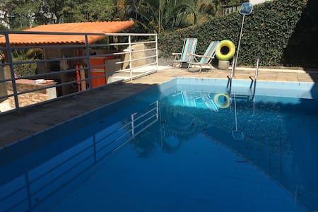 Alugo  casa em São Conrado 3 qts  Ótimo espaço!!!