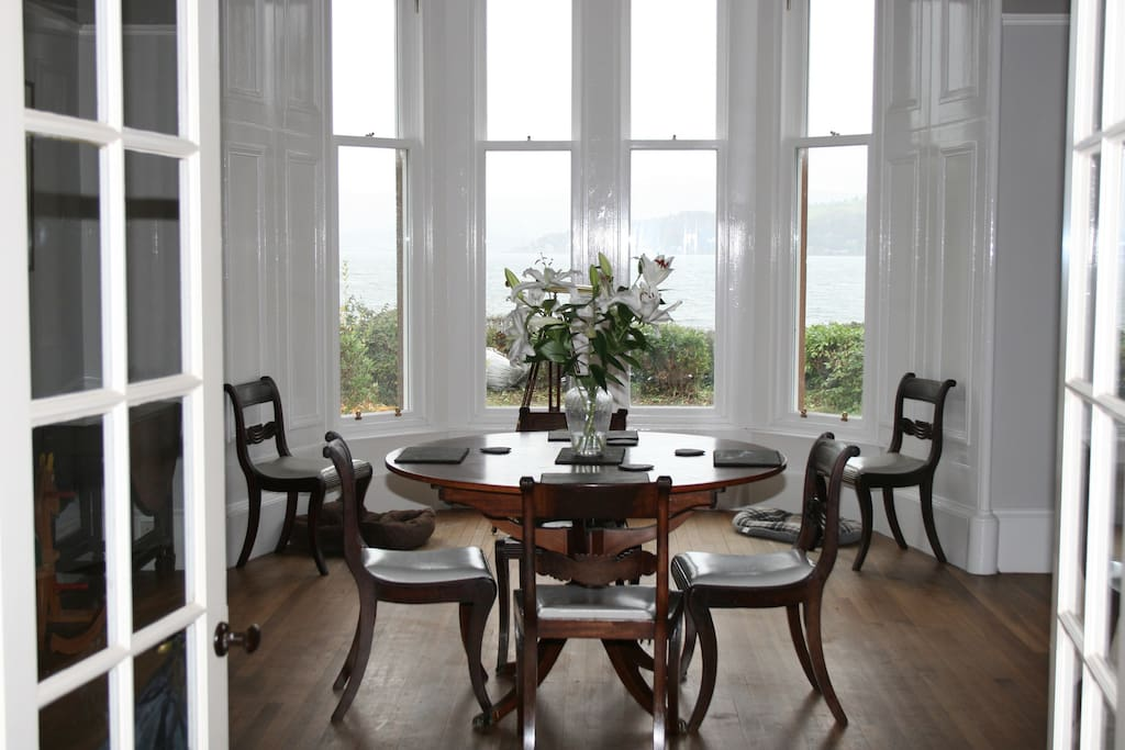 Great dining room for up to 8 people overlooking Loch Long