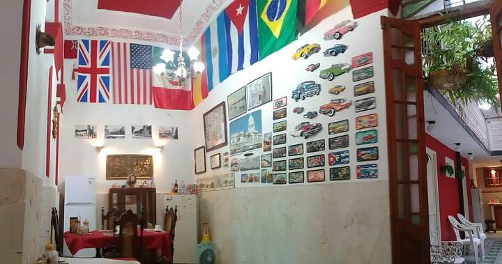 Habana Vieja  CASA- LEAL a solo 300m del CAPITOLIO