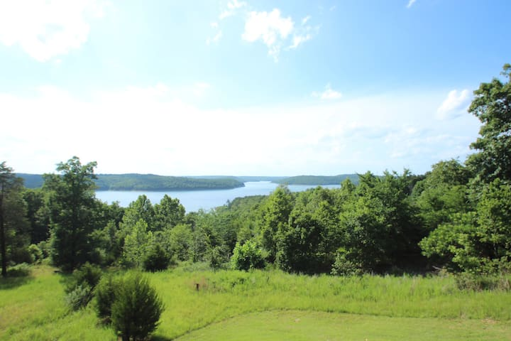 Large Norfork Lake Home