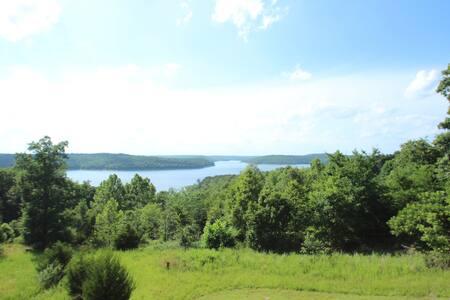 Large Norfork Lake Home