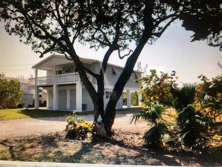 Ramrod Key's Serene 3Bed/2Bath Canal Front Oasis