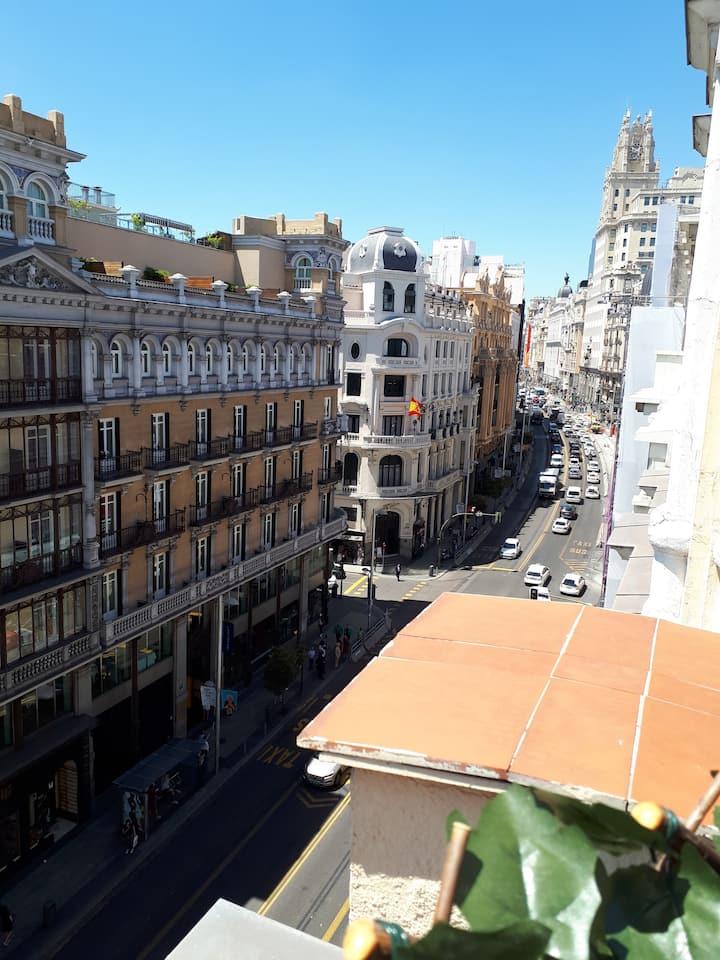 OPEN MADRID - HABITACION MIXTA 6 PERSONAS