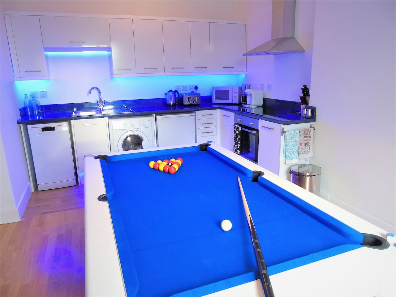 Kitchen with Pool/Dining Table