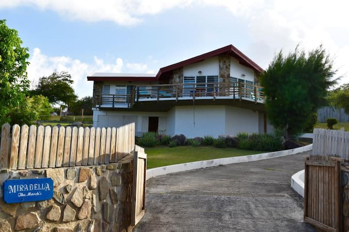 Mirabella  -  Lovely Hilltop Home