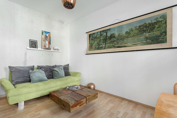 Cozy, bright and spacious apartment VINTAGE STYLE!