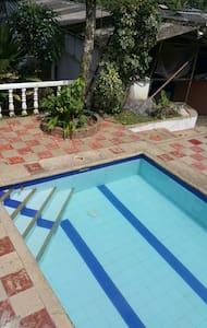 RELAJANTE Y HERMOSA CASA DE CAMPO - Dům